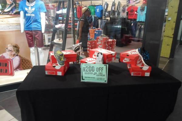 Earlybird Pre-Christmas Sidewalk Sale<br />Wednesday, March 5th, 2014