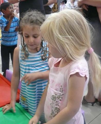 Aimee Wade and Sarah Garden - Thursday, November 19th, 2009