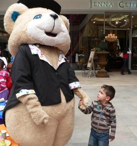 Aleandro Jardim with the Cardies bear<br />Wednesday, June 17th, 2009