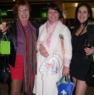 Jo Barton, Charlotte Barton & Lindsey Ivins<br />Monday, May 25th, 2009