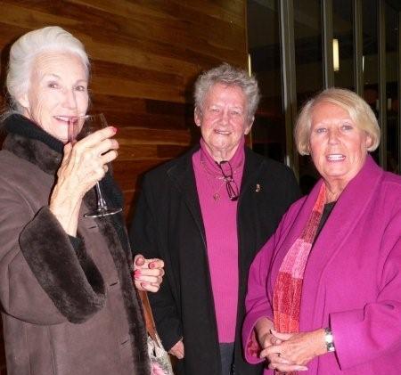 Joan van den Berg, Ina Muhlverg & Dafni Wright<br />Saturday, June 20th, 2009