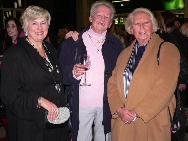 Terry Dancer, Ina Muhlberg & Dafni Wright<br />Thursday, July 23rd, 2009